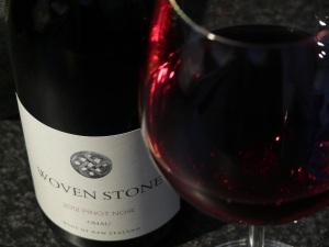 Woven Stone Pinot Noir 2012